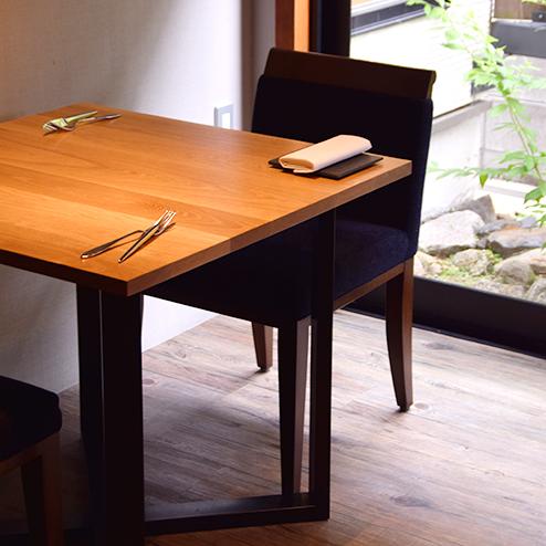 リストランテナカモト様のオークテーブル