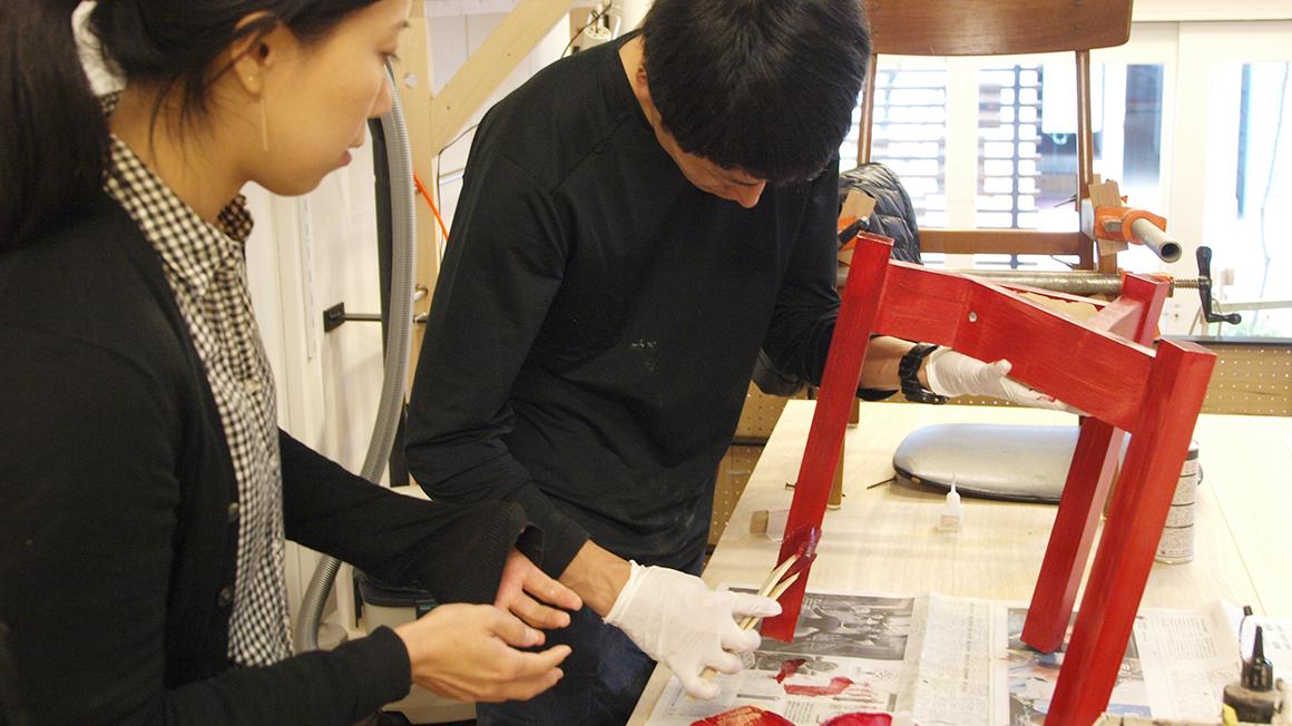 京都で手作りする木のスツール