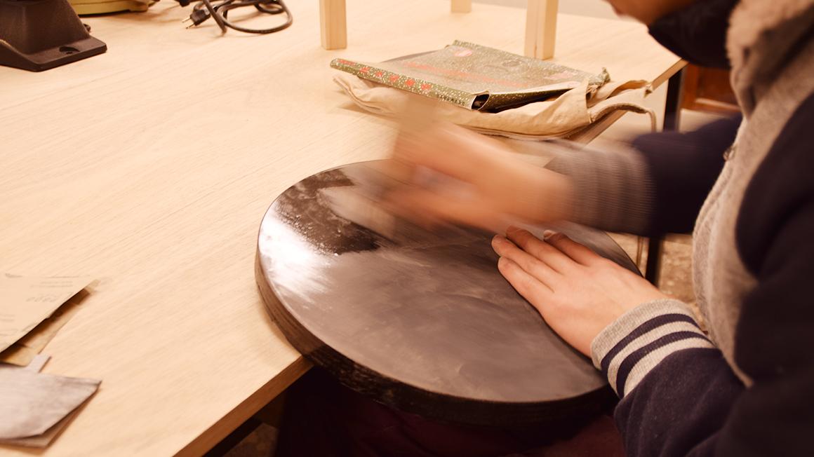 家具職人が作るクールなスツール