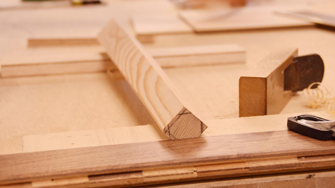 京都のレンタル工房でスツール作り