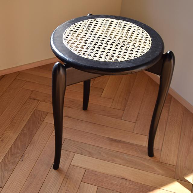 京都の家具補修職人が手作りしたスツール