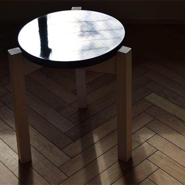 京都の塗装職人がDIYで作った木製スツール