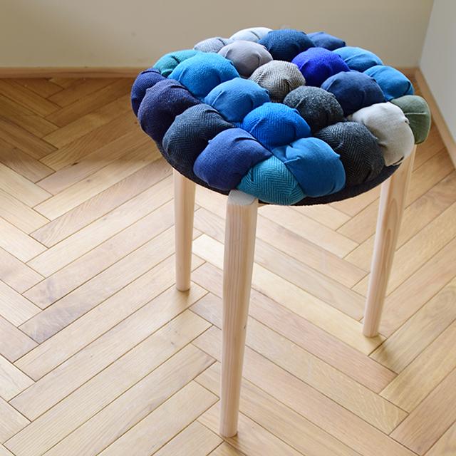 京都の家具ショップスタッフが手作りしたクッションスツール