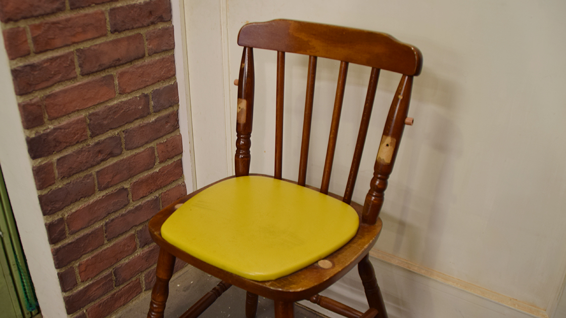 昔の子供椅子のリメイク