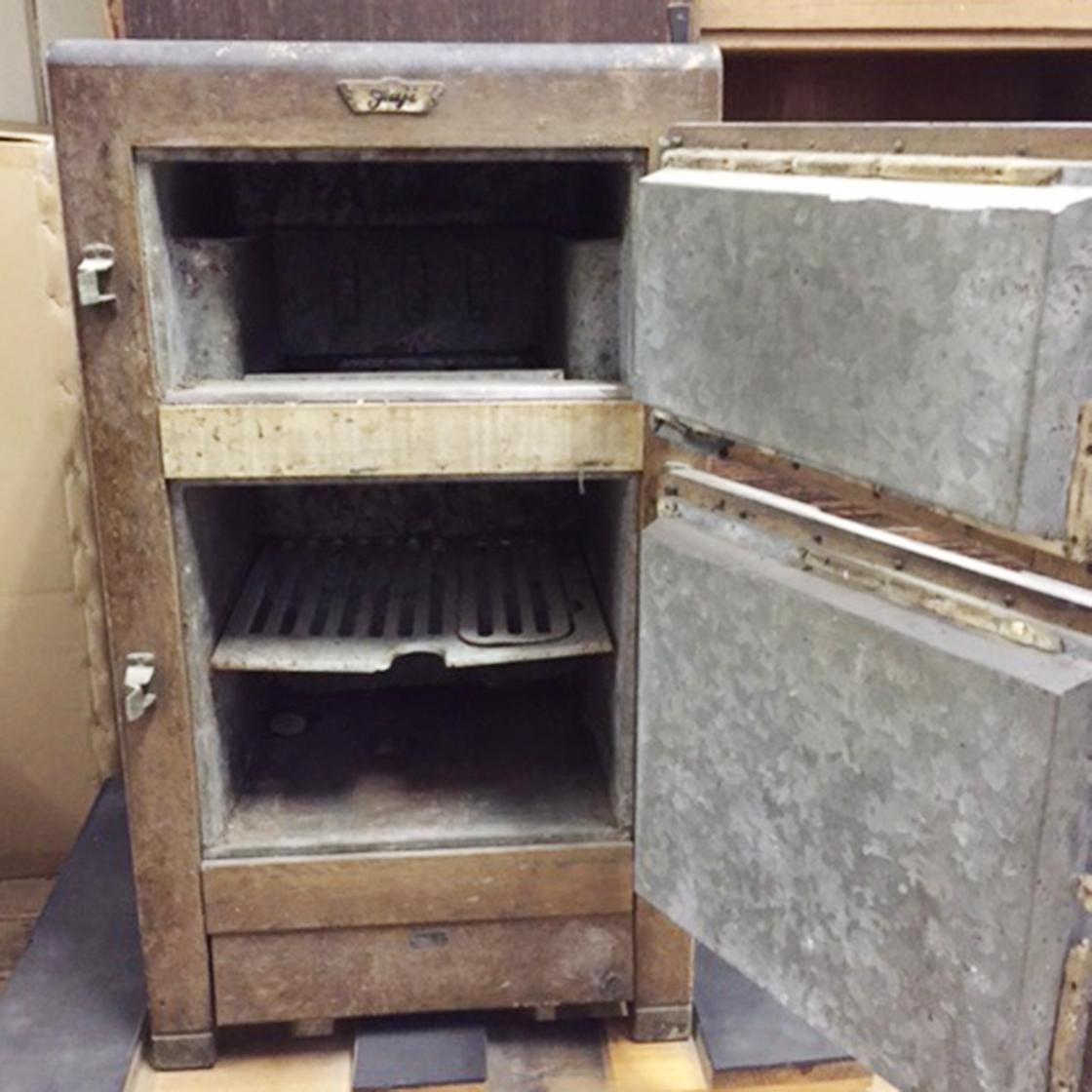 木製冷蔵庫修理