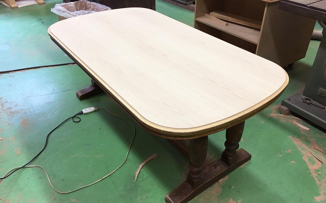 ダイニングテーブル天板修理