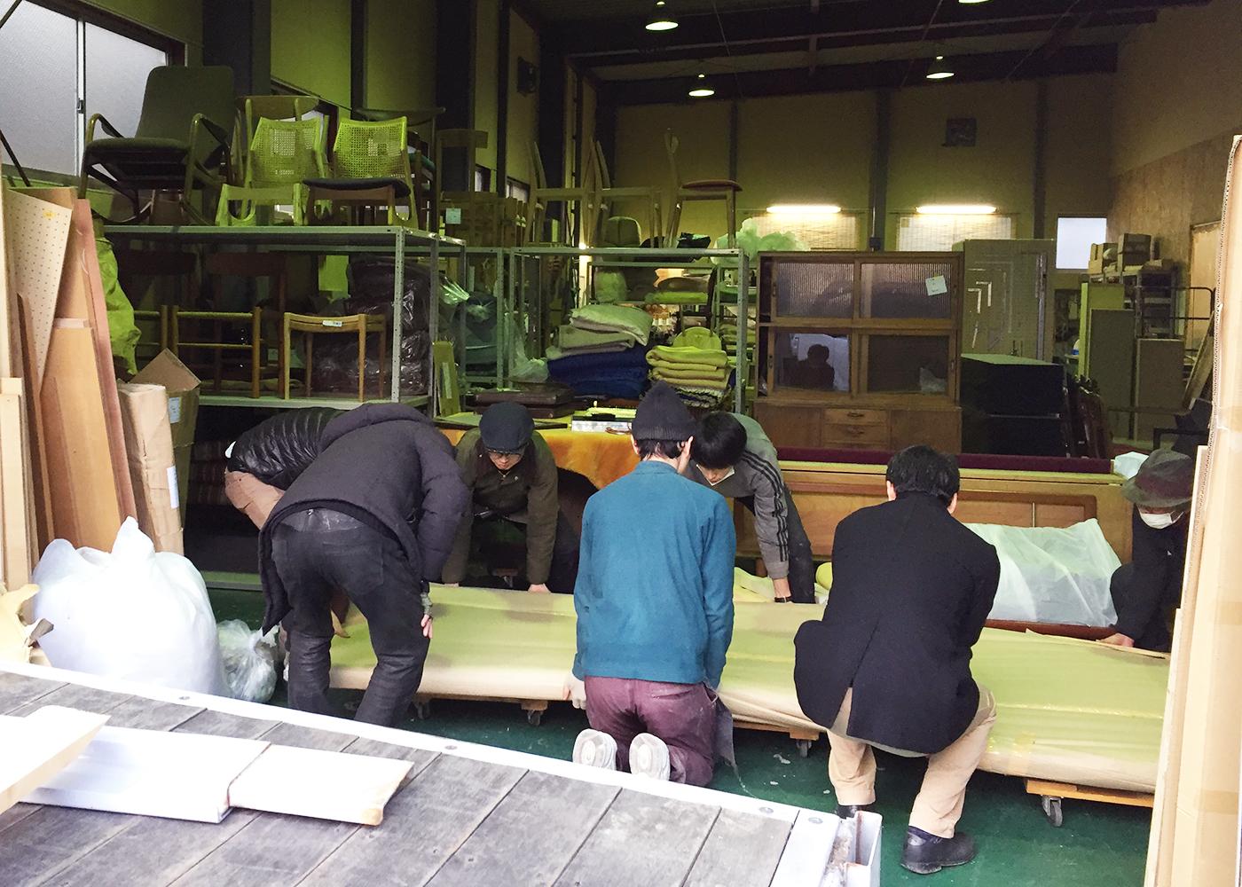 京都うどん名代おめん高台寺店へ家具を納品しました