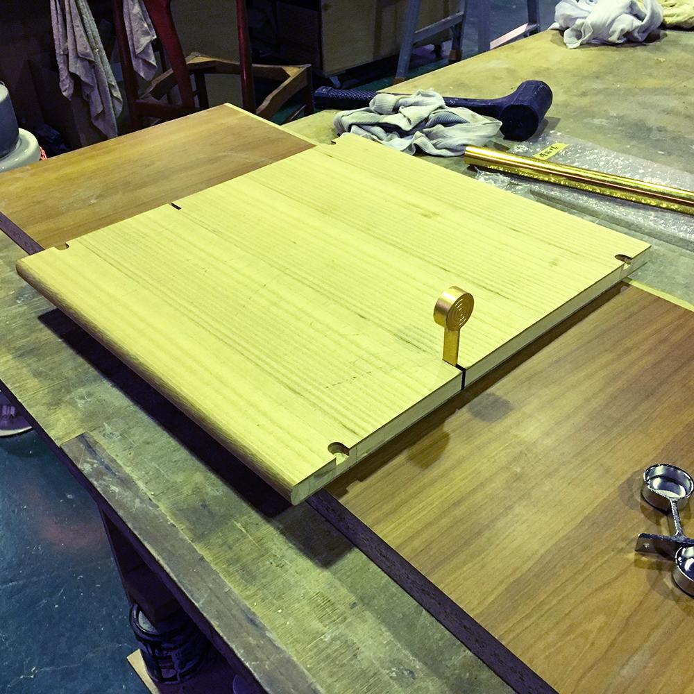 タンス食器棚チェスト本棚キャビネットなどの修理