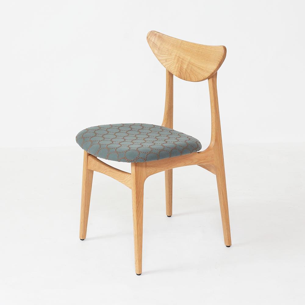 肘掛け付き椅子