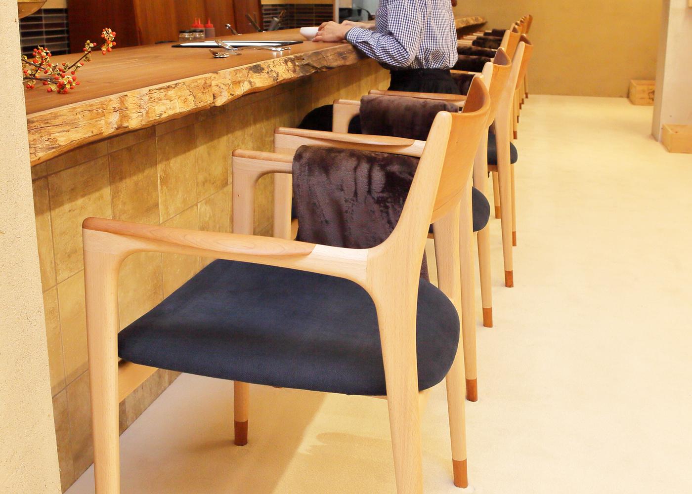 アシェットデセール未完様に椅子を納品しました