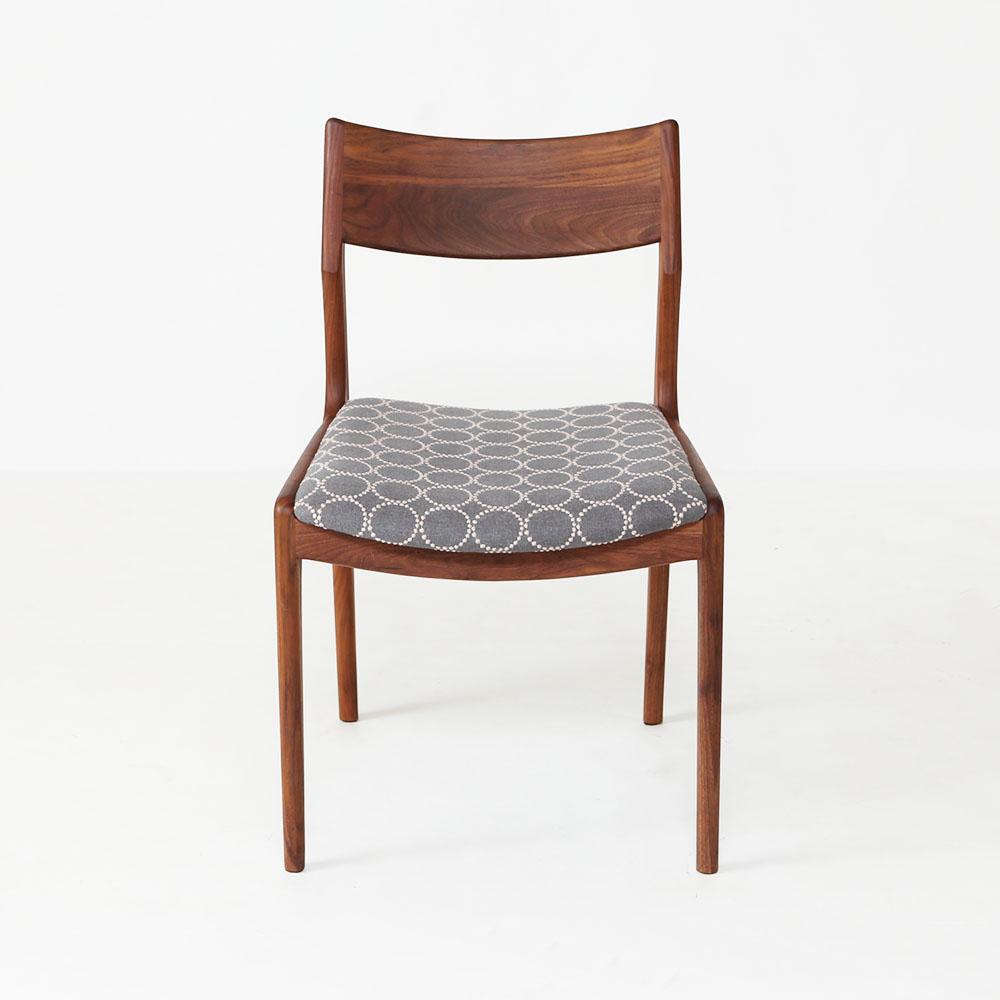 ミナペルホネン生地の北欧デザインダイニング椅子