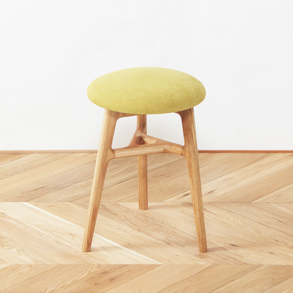 おしゃれな木のスツール京都の家具職人が作る北欧デザイン家具