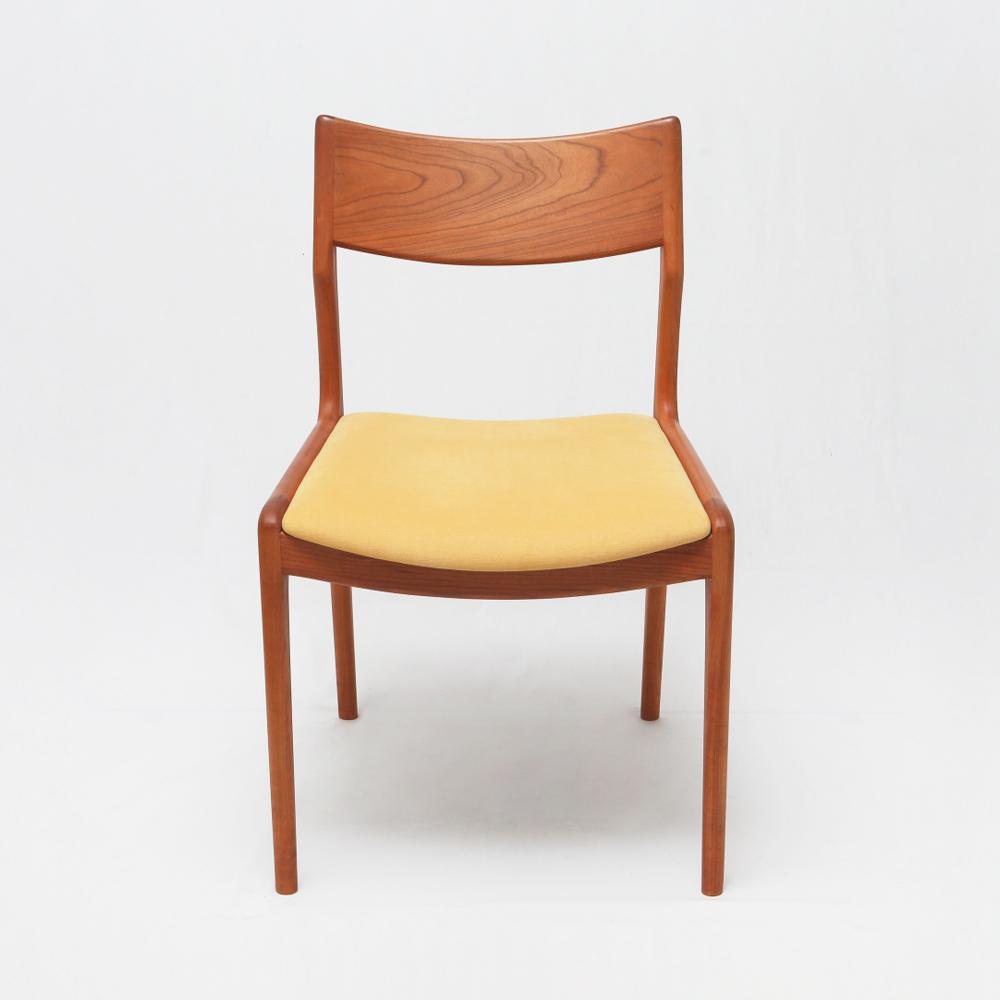 北欧ビンテージのようなおしゃれな椅子