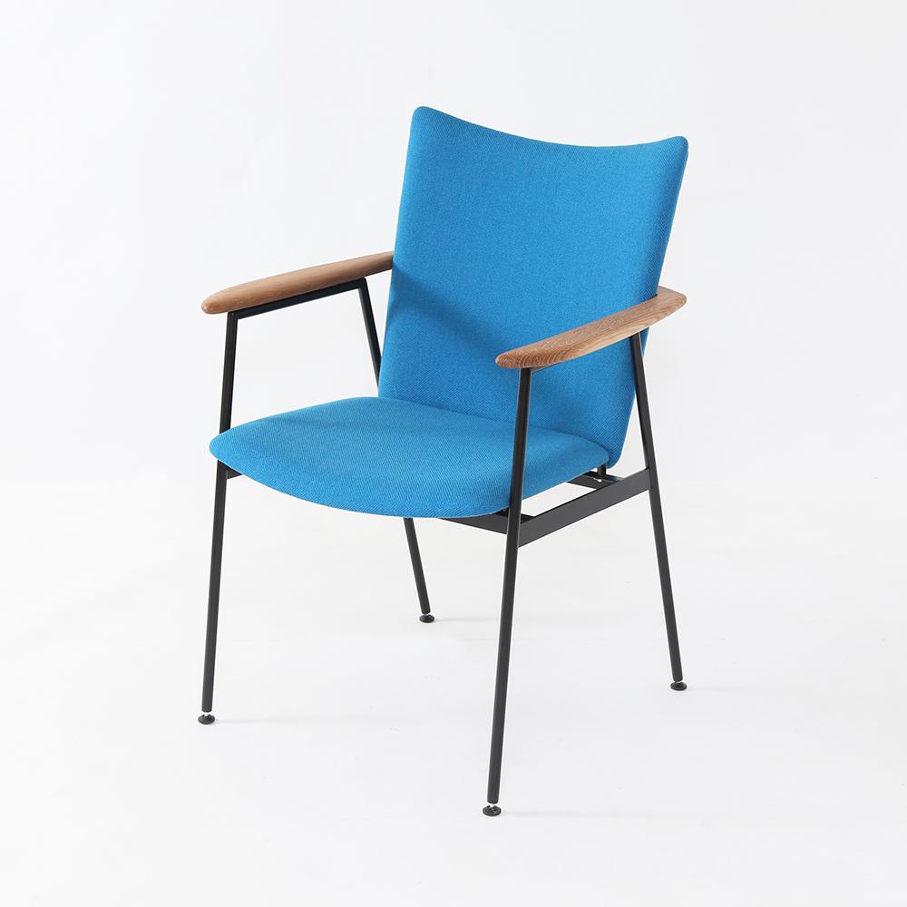 カフェなどにぴったりのおしゃれなアイアン椅子