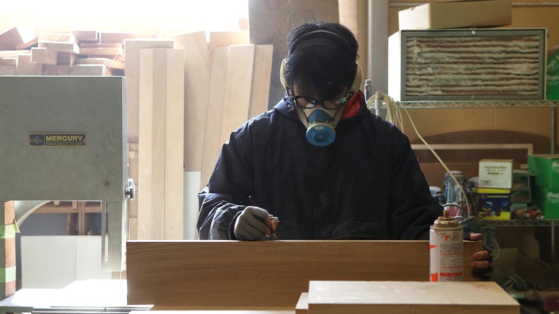 京都・宇治の家具店フィンガーマークスの家具職人紹介