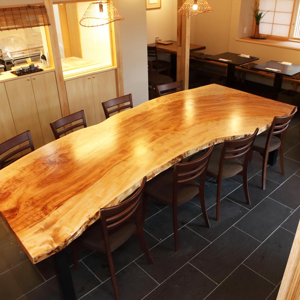 一枚板テーブルのオーダーメイド製作事例